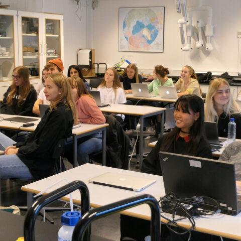 Lyttende elever